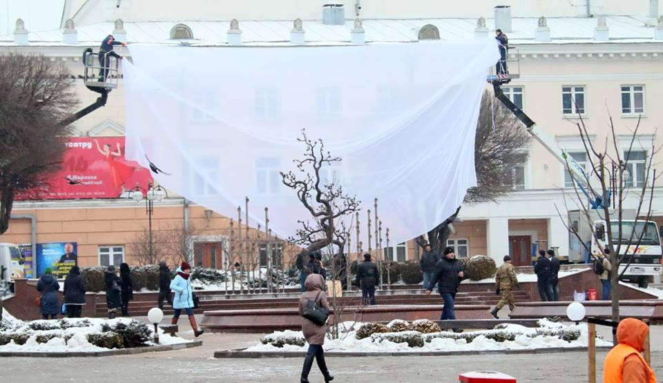 Вночі у Вінниці вже вдруге знесли пам'ятник Тарасу Шевченку (оновлено 14:53) (відео)