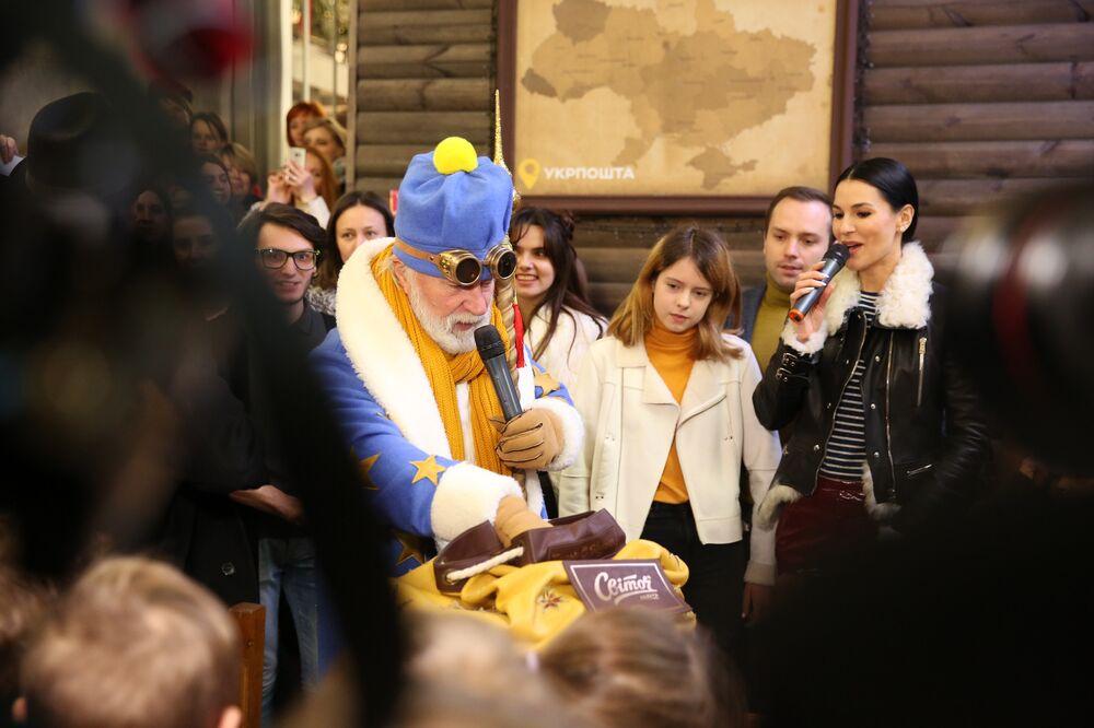 У Києві в Головпоштамті відкрилася резиденція новорічного чарівника