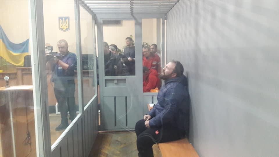 На 60 діб суд Вінниці арештував ІТішника Анатолія Мальця, якого підозрюють у розправі над двома дітьми, мамою і екс-дружиною. Йому світить довічне! (відео)